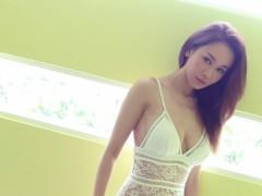 曾在夜店卖唱赚钱糊口  杨思琦赴马来西亚取景推出写真处女作