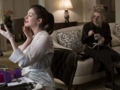 安海瑟薇演绿茶婊太入戏 《瞒天过海:八面玲珑》美国首周票房称冠